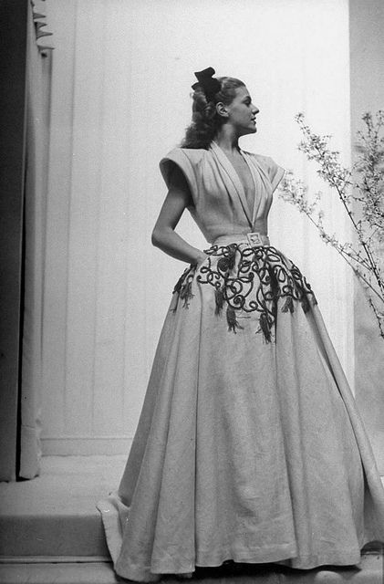 Maggy Rouff February 1951, I want to wear this so bad!!!!