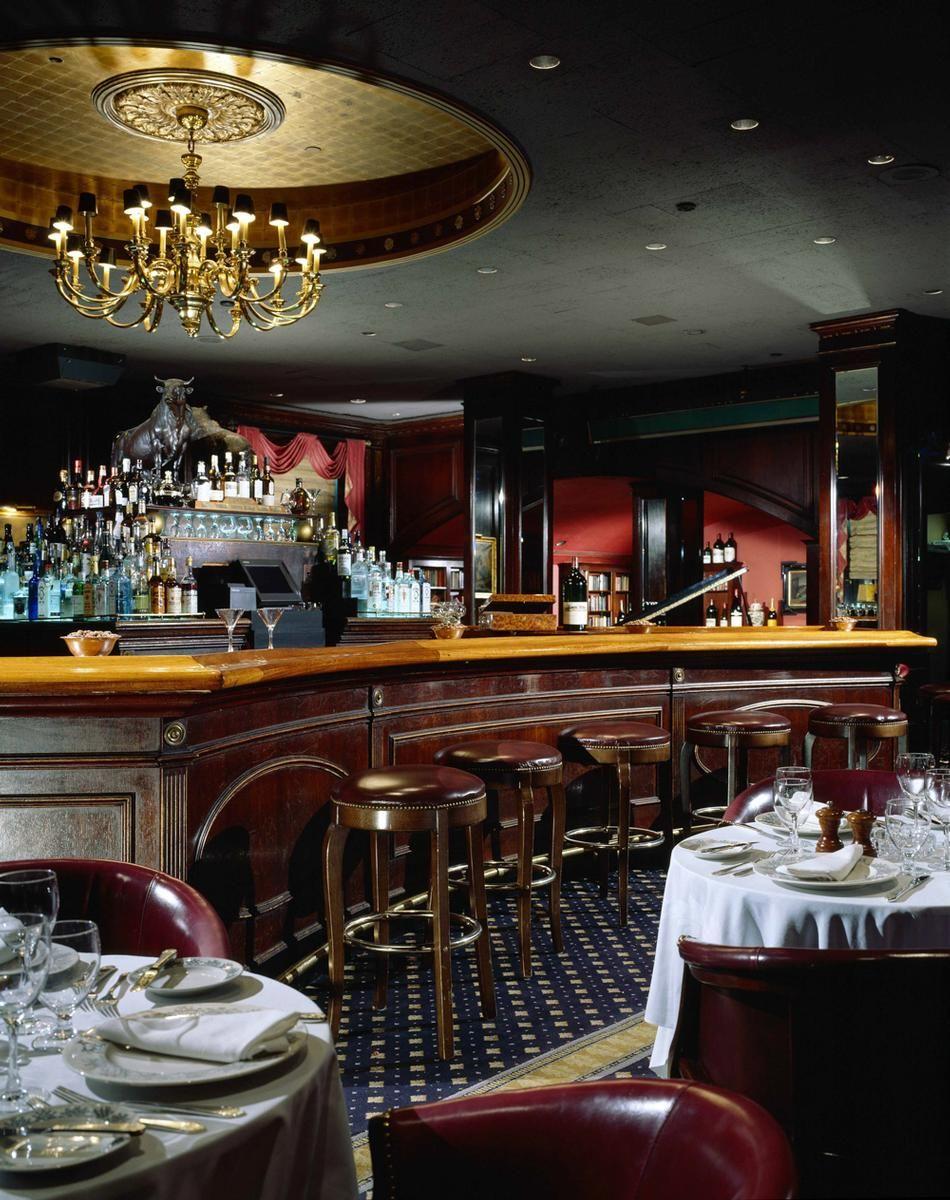 The Waldorf Astoria Historic Landmark On Park Avenue Waldorf Astoria York Restaurants New York Hotels