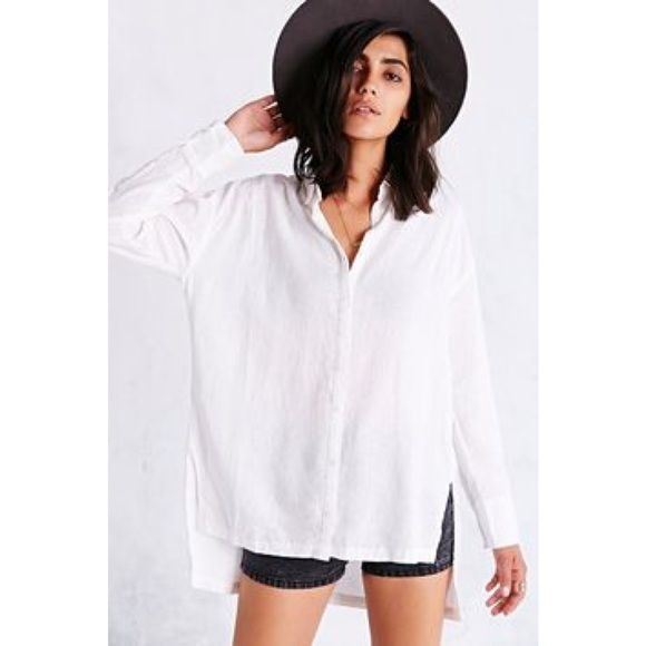 99d18fd6dcf0 Urban Outfitters rumpled hem button down shirt Recently bought!! Can dress  it up or down :) it's the same exact shirt as shown on the model but the  striped ...
