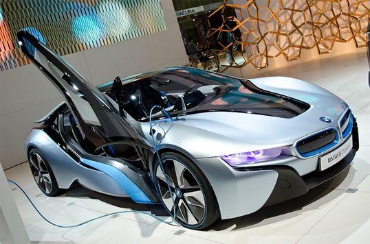 BMW i8 Spyder Hybrid Electric Car Capable of 80 MPG