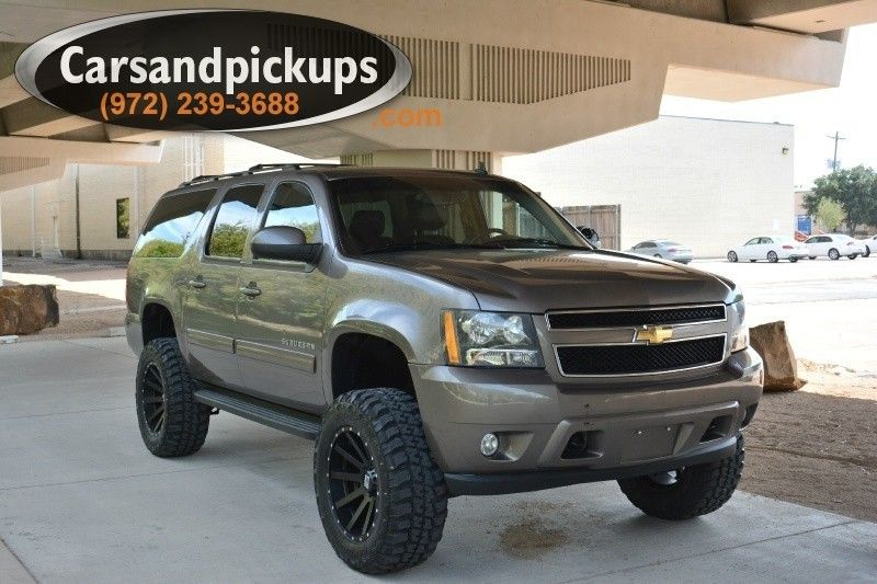 2011 Chevrolet Suburban 4x4 1500 Lt Lifted Leather New Wheels And