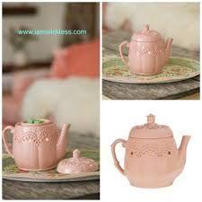 """Vintage Teapot"""