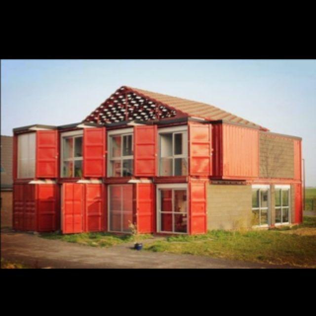 Casa #Ecologica feita de containers usados...