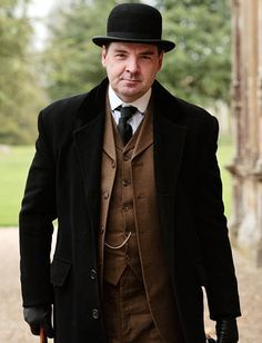 valet de pied hunting 1900 downton abbey downton abbey series brendan coyle. Black Bedroom Furniture Sets. Home Design Ideas
