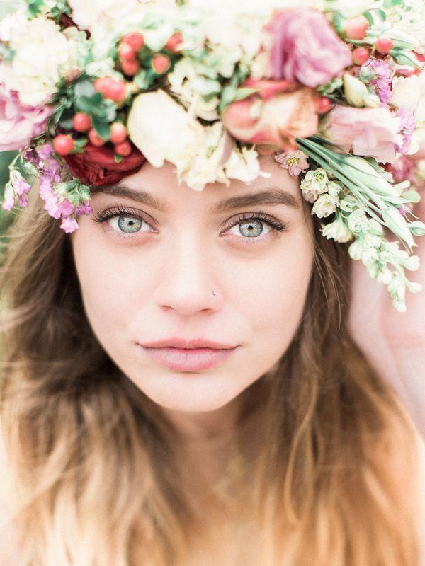 Ethereal Natural Bridal Makeup | Kristin La Voie Photography | http://heyweddinglady.com/winter-garden-bridal-shoot-gold-wedding-dress/