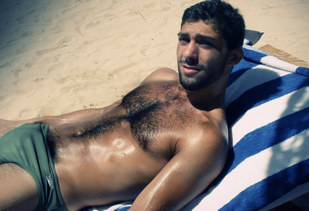Hot naked arab male — pic 1