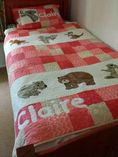 Matching single bed topper and pillowcase featuring Canadian and Australian animals www.facebook.com/KATNAPquilts
