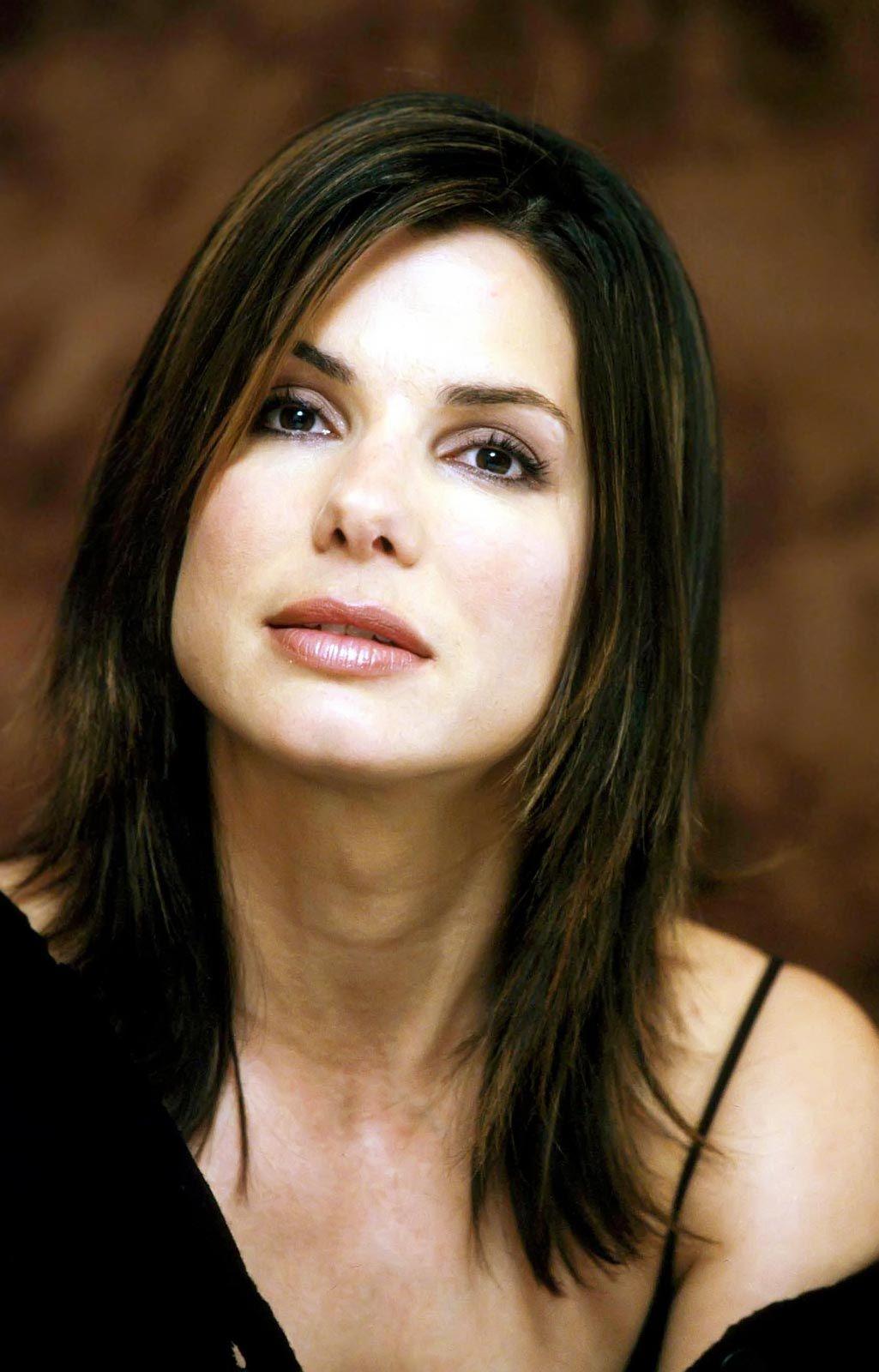 Celebrity Hairstyles: Sandra Bullock Hairstyles