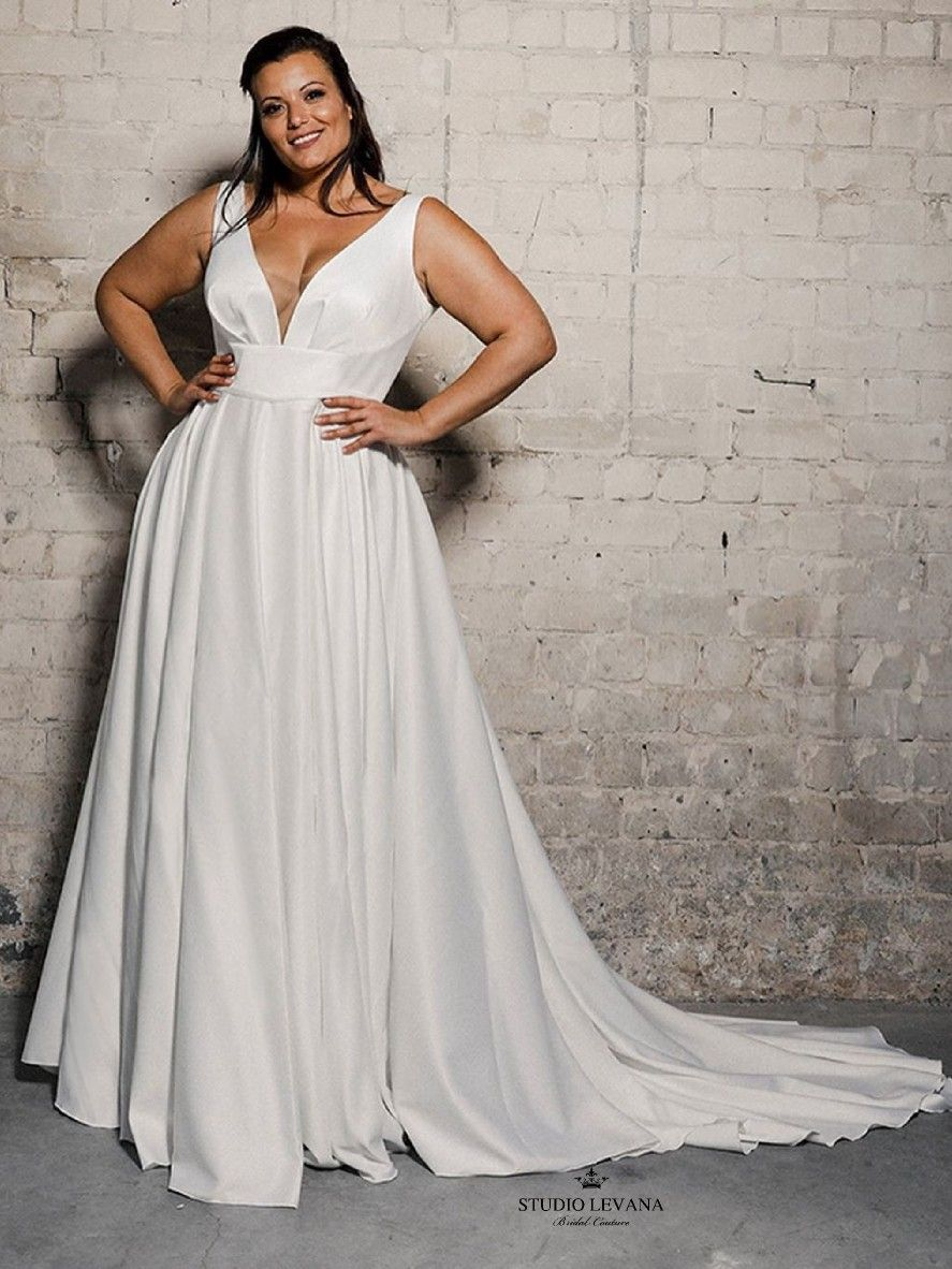 Events Studio Levana Couture Wedding Gowns In 2020 Casual Wedding Dress Big Size Dress Casual Dresses For Women
