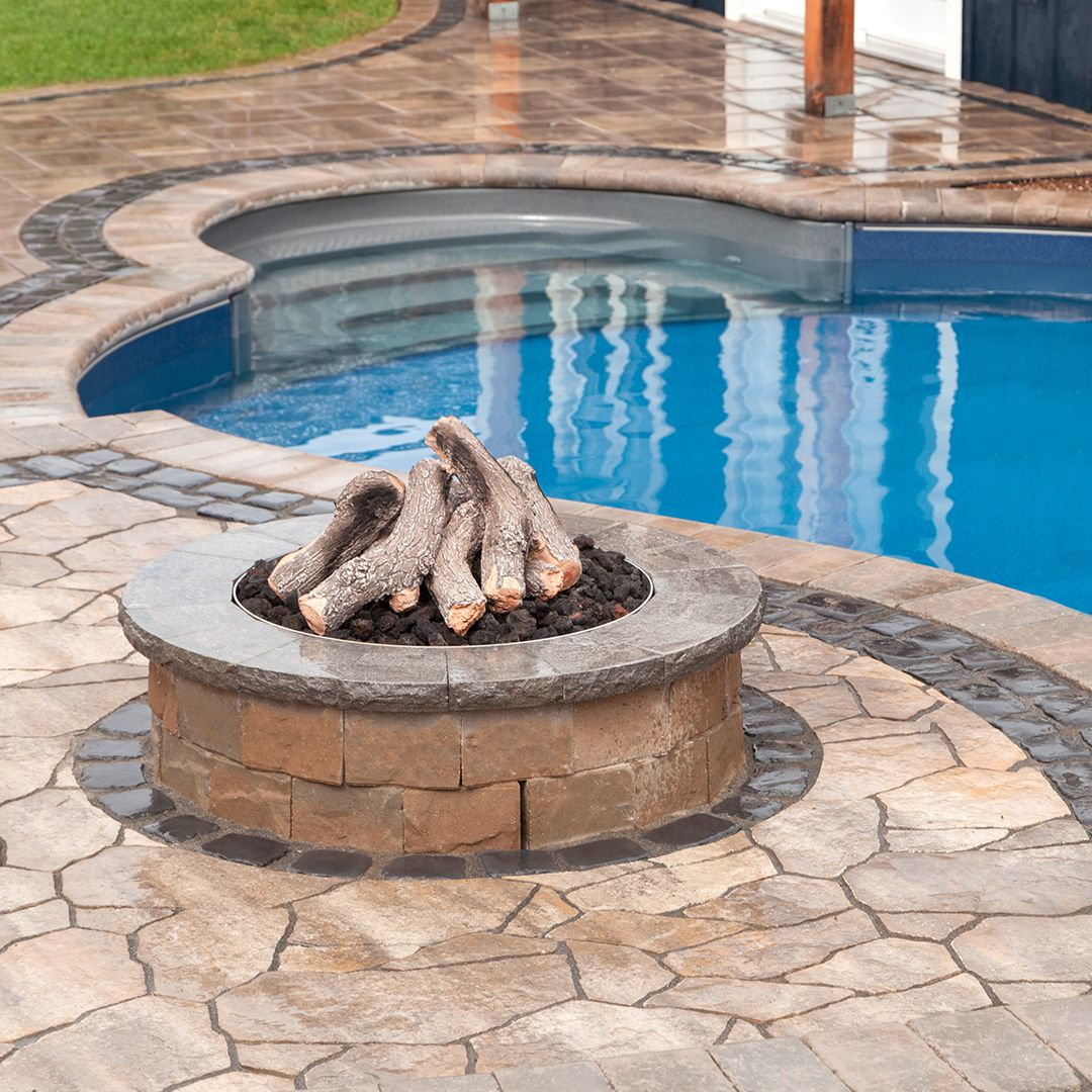 Curved Inground Swimming Pool The Vachon S Pioneer Family Pools Swimming Pools Inground Backyard Swimming Pools