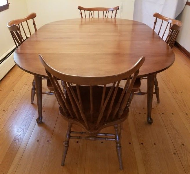 Maple Dining Room Table Set, Excellent Condition Furniture