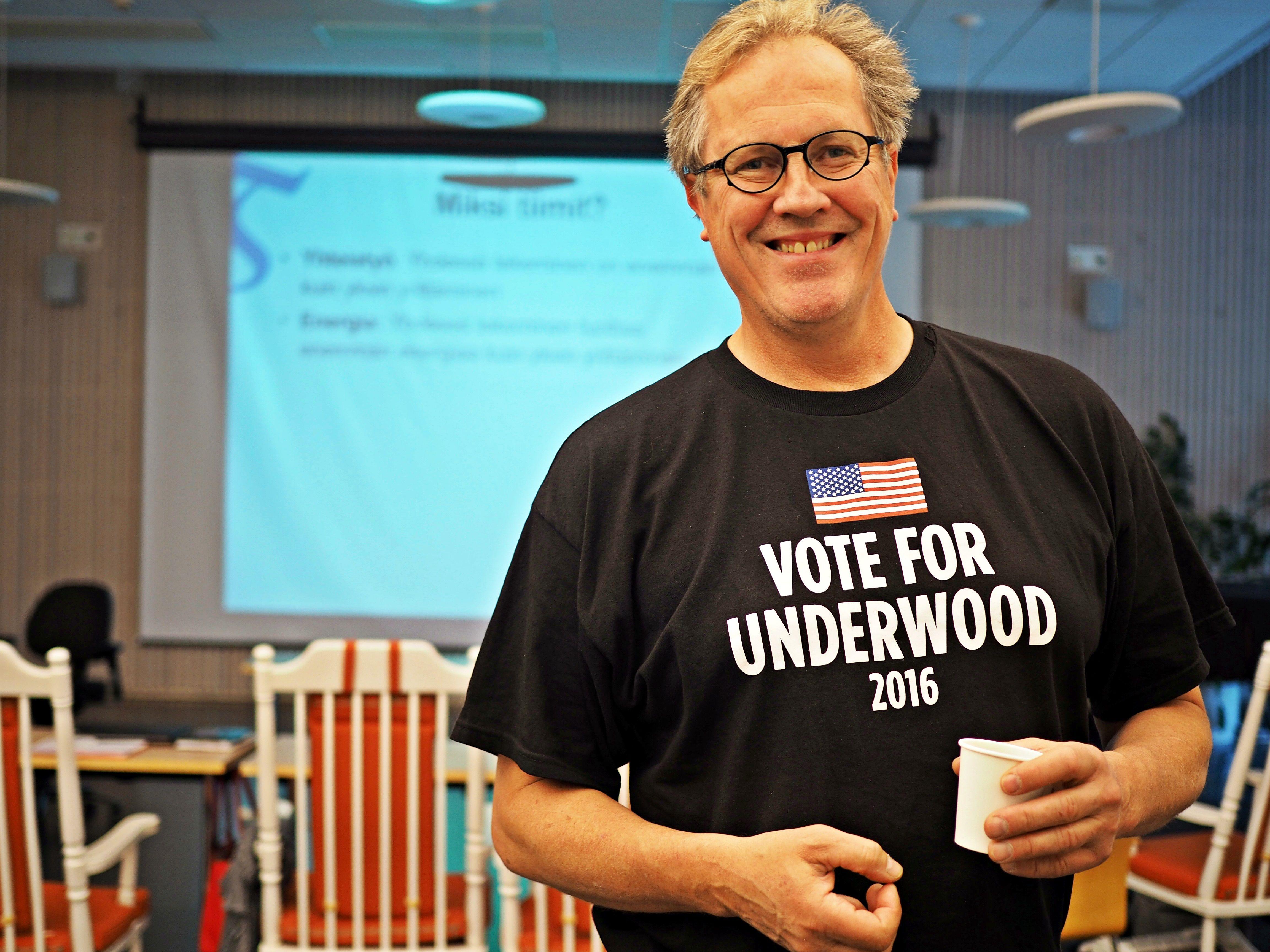 Kalle Michelsen ja ääni Underwoodille.