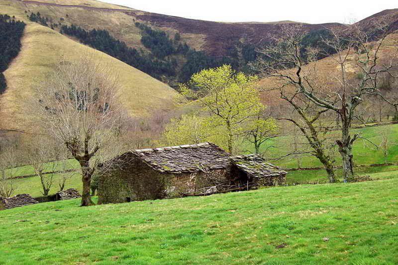 Ruta Prs68 Las Cabeceras Selaya Valles Pasiegos Qué Ver Y Qué Hacer En Valles Pasiegos Cantabria Rutas Viajar Por España Lugares Turisticos De Argentina