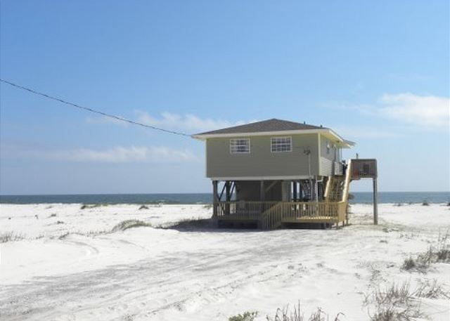 Beachin This Is A Very Cute Newly Remodeled Gulf Front Beach House That Offers Fort Morganorange