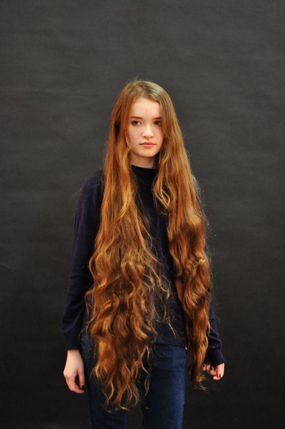 Coiffure Longue Rousse Cheveux Tres Long Beaux Cheveux Longs Cheveux Long