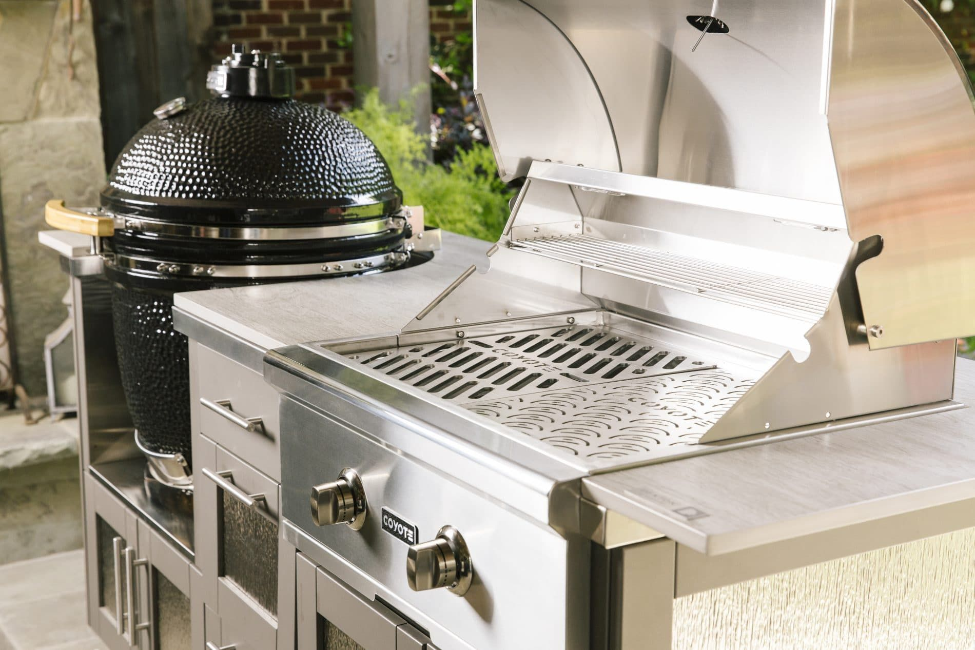 Coyote Grills Make Both Asado And Traditional Charcoal Grills For Those Who Enjoy Slow Cookin In 2020 Outdoor Kitchen Outdoor Kitchen Appliances Outdoor Kitchen Island