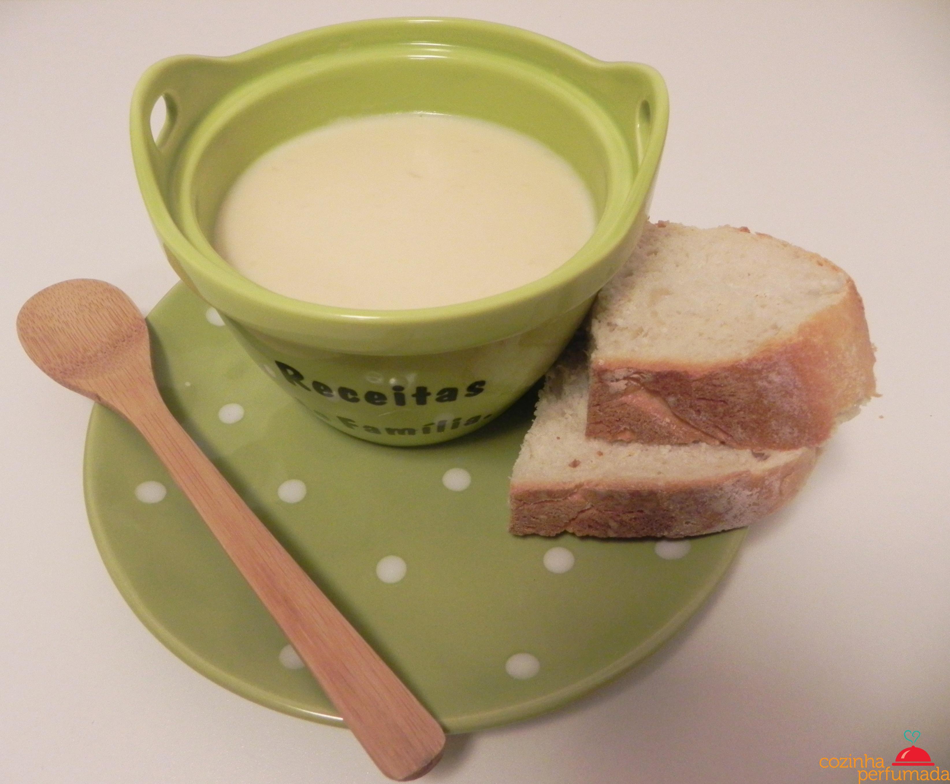 Creme de queijo - http://www.cozinhaperfumada.com/2012/03/creme-de-queijo.html