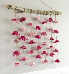 DIY boho flower wall hanging from egg cartons | Mindy