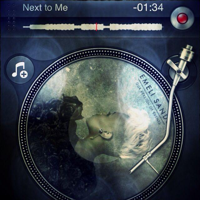 La escocesa Emeli Sandé tiene un solo álbum de estudio (Our version of events, 2012), muy recomendable. Next to me es un single buenísimo, pero también valen mucho la pena Heaven, My kind of love)