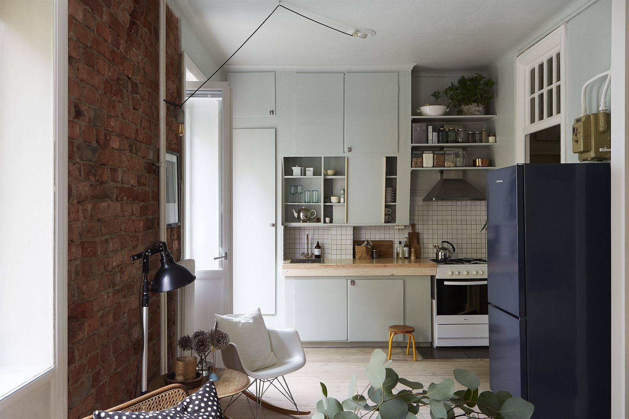 Dit kleine huisje heeft de mooiste hoogslaper ooit kitchen
