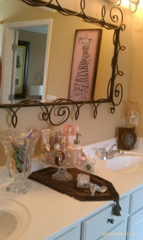 Home Goods Bathroom Wall Decor: Knetta Used Her HomeGoods Finds To Crystalize Her Bathroom