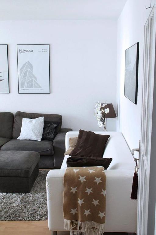Gemtliche Wohnzimmercouch Mit Kissen Und Decken Wohnzimmer
