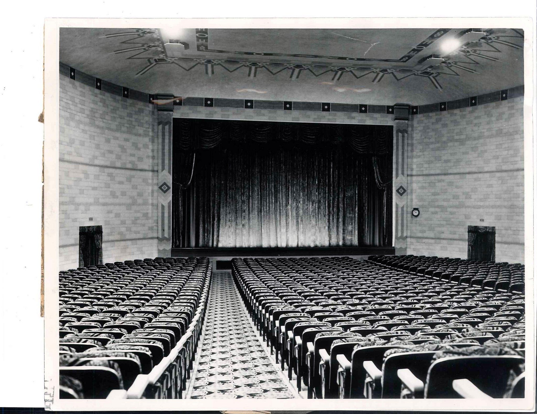 See 27 Old Photos Of Flint Movie Theaters Dating Back To The 1920s