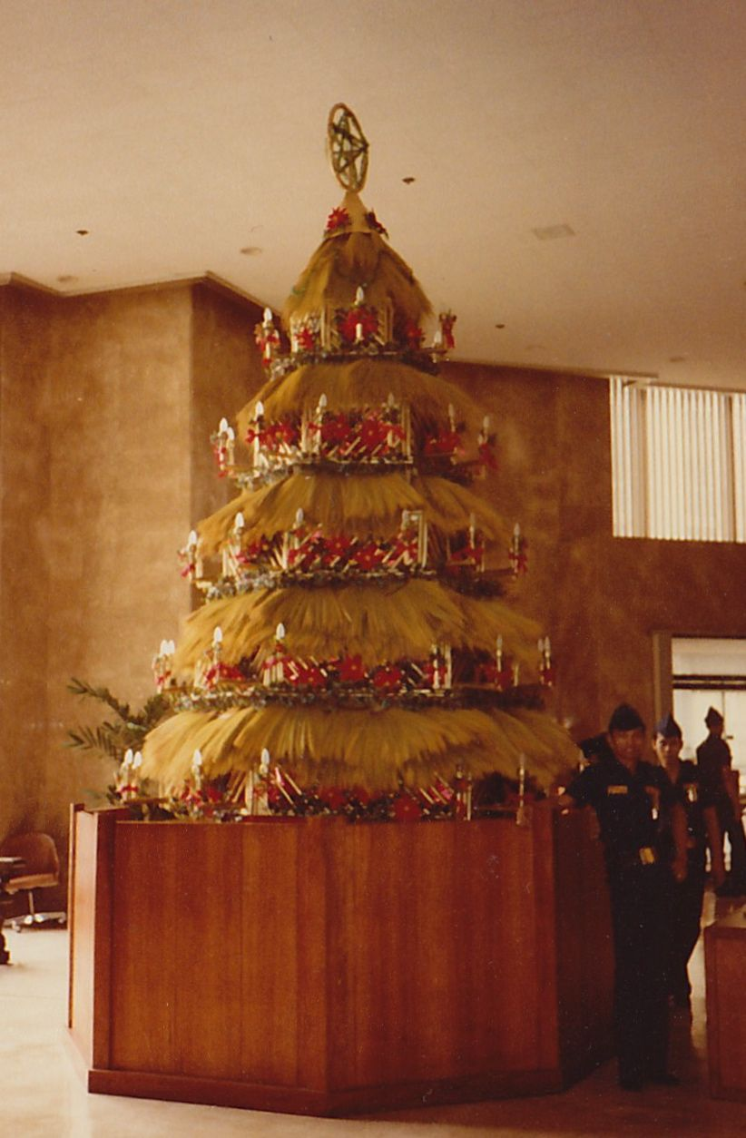 Christmas Tree Made Out Of Walise Or Brooms Bank Of The Philippine Islands Philippines Christmas Tree Christmas