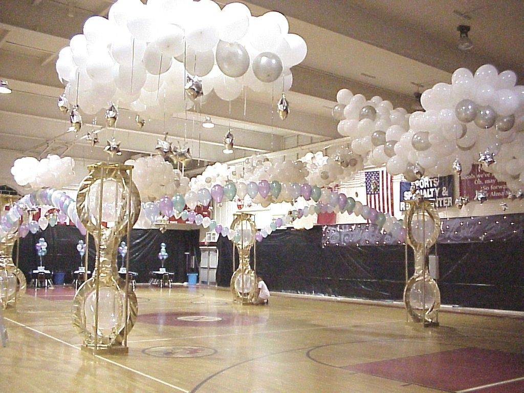 White clear and silver balloons with led lights in a few for Balloon cloud decoration