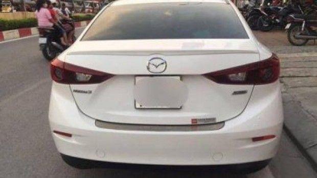 Bán xe ôtô Mazda 3 đời 2016 tạiCầu Giấy, Hà Nội Gia đình bán xe mazda 3 đời 2016, màu trắng.  Xe cũ, sử dụng kỹ, các chức năng theo xe đầy đủ và ổn định.  Xe mu