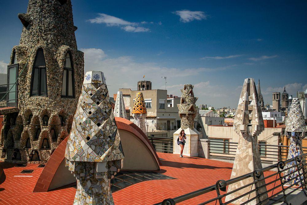25 fotos de interior y exteriores del Palacio Güell en