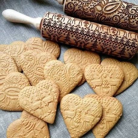Christmas Baking Embossed Rolling Pins Holiday Cookie Stamps Gifts for Bakers Engraved Wood Rolling Pin Pattern Print Cookie Cutters