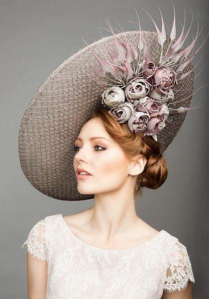 Reina De Las Fabricas Hat Invasion