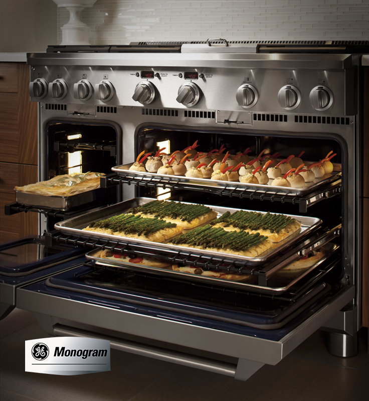 Our Monogram 48 Professional Ranges Feature An Everyday Oven And A Caterer S Oven For Top Gas Stoves Kitchen Gas Stove With Oven Commercial Kitchen Appliances