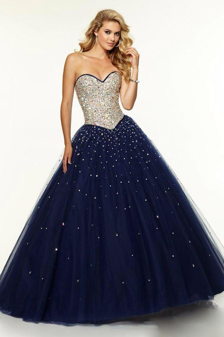 d895927cac Vestido de quinceañera con corcel color plata y tul azul rey