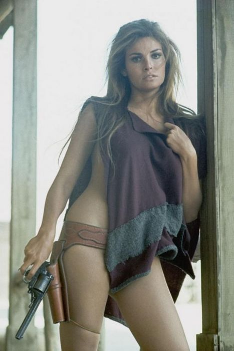 Raquel Welch Cowgirl.. #TooWildForGunWay (never posted on GunWay)
