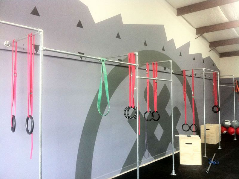Wall Mounted Multi Person Crossfit Pull Up Rack Pull Up
