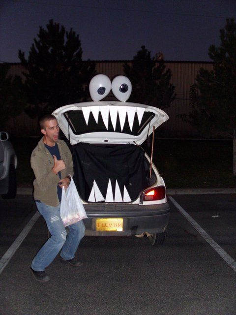 Super easy and fun The kids loved it! Trunk or treat decorations - halloween trunk or treat ideas