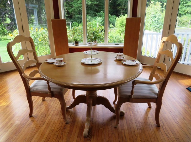 Ethan Allen Dining Table And Chairs Round Dining Table With - Round dining table with 2 leaves