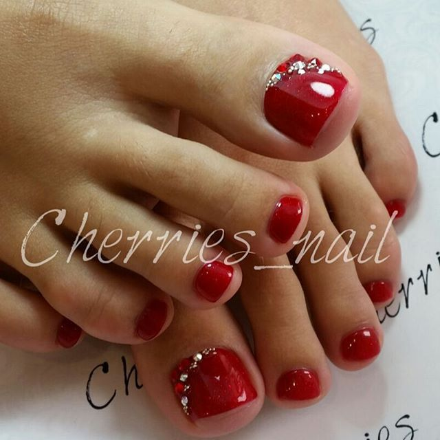 Red Rhinestone Toe Nail Art With Images Toe Nail Designs