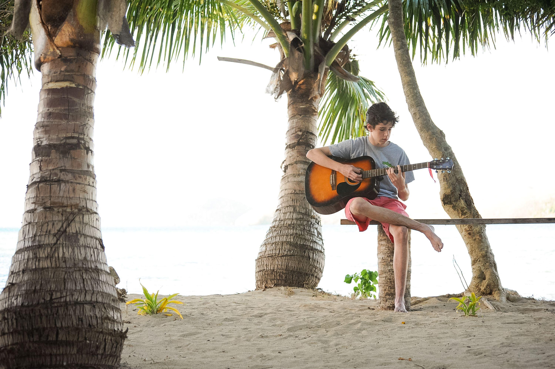 Big Fiji Explorer - June 2015 #guitar #peace #travel # ...