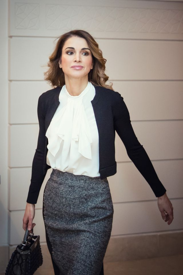 Queen Rania of Jordan on her way to a meeting with the families of army martyrs …