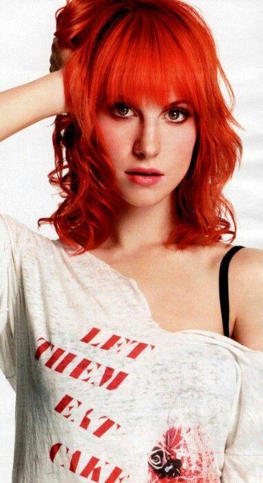 Love this hairstyle, the bangs even more #hayleyWilliams #orangehair #bangs