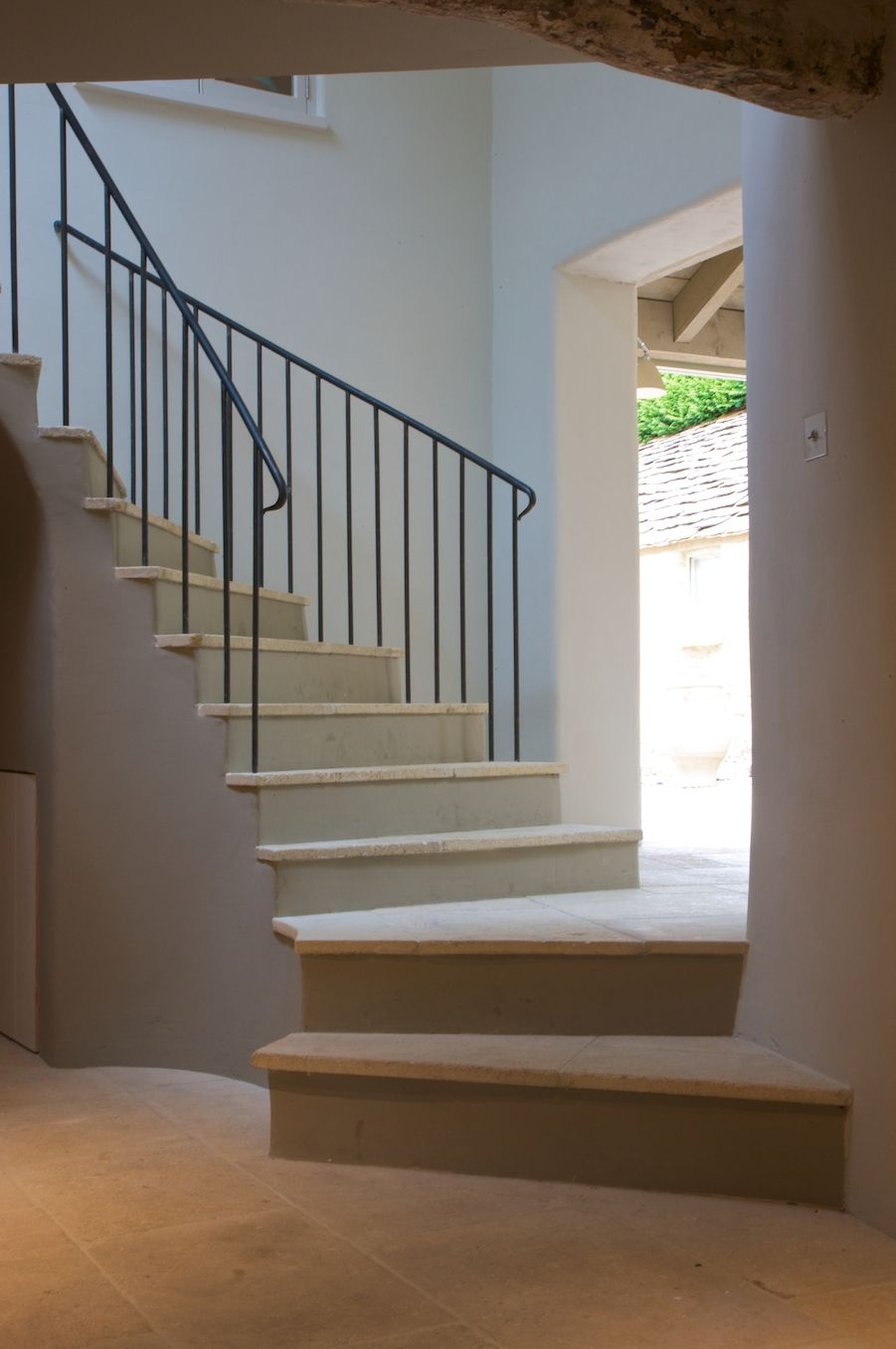 Best Bespoke Rustic Spiral Staircase Using Barr Limestone From 400 x 300