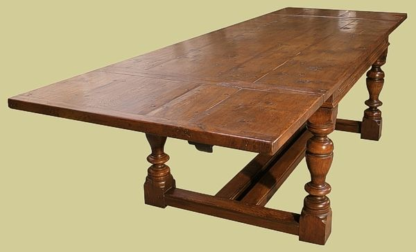 Oak Ext Table With Detachable Leaves