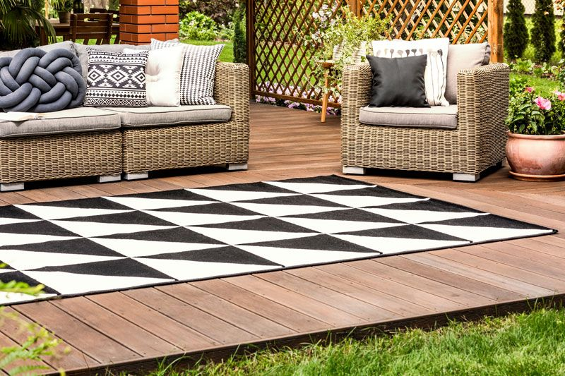 Why You Need Outdoor Carpeting In Your Home Outdoor Carpet Indoor Outdoor Carpet Outdoor