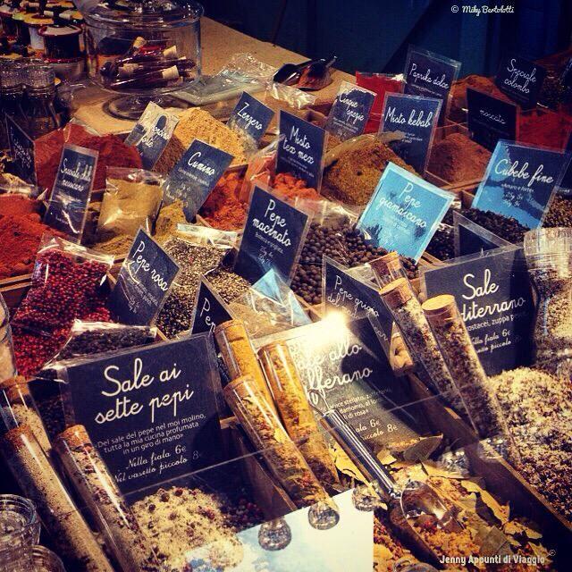 Appunti di #viaggio  #Parma , #mercatino #francese #PiazzaGaribaldiParma #events #erbediprovenza #lifestyleblog