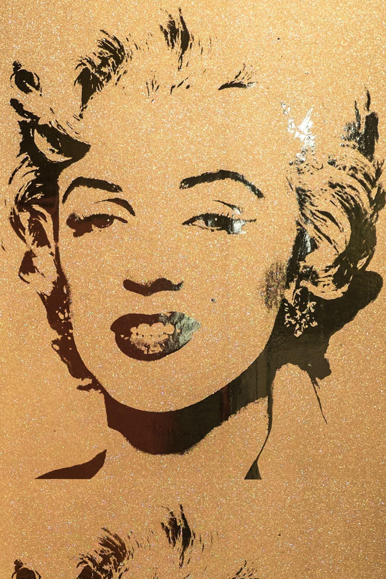 Flavor Paper Andy Warhol Marilyn Monroe Wallpaper Gold Diamond