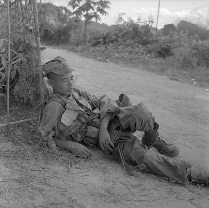 French Paratrooper From 8eme Bpc Commandos During Operation Against Lang Son 1953 Armee Francaise Histoire Militaire Guerre Du Vietnam