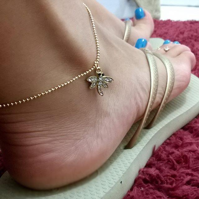 653082cf4d7c7 A bobôletinha hahahahaha  libélula · Flip FlopsAnkletsSexy  FeetFlippingStockingsAnklet BraceletBeach SandalsPantyhose ...